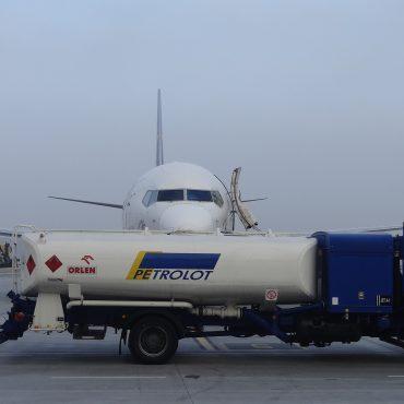 Bezpieczeństwo podczas tankowania samolotu